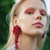 Salut, chouchou 💋 SAKURA Clip on earrings possible in many colors! What is your? Orders👉DM/ДИРЕКТ  _ Клипсы SAKURA  возможны в разных цветах и градациях , какой цвет выбираешь ты?  #Accentuatedesigns#art#artandstyle#moreandmore#paris#moody#mua