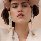 SS20 pearls _  Photo @hellen_livshuk  #Accentuate#design#art#inspired#mood#summer#ss20#stunning#chic#fashion#