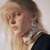 CRYSTALLINE  collection  Cuff earring  Photo @faaasss66  Model @sava_tati  #Accentuate#art#fashionphotography#fashionlook#hair#editorials#beauty#photoshoot#fall#fallvibes